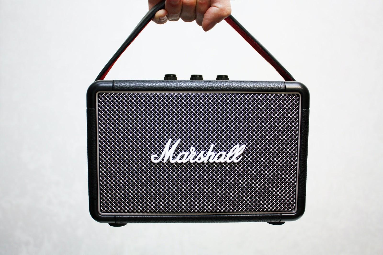 black-marshall-portable-guitar-amplifier-1706694
